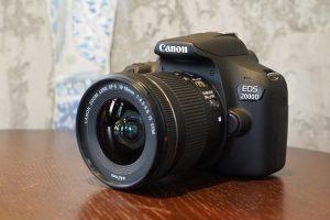دوربین EOS 2000D